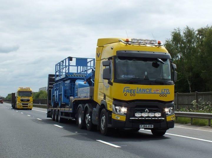 scissor lift haulage truck
