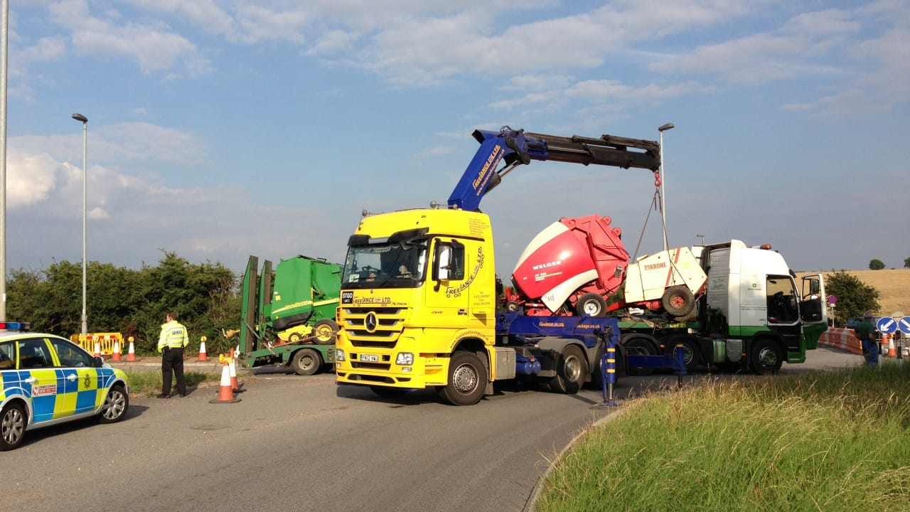 lorry loader lifting access equipment